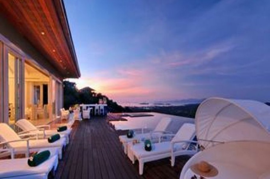 Villa in Thailand, Choeng Mon: Pool area at sunset