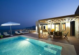 Luxurious villa with panoramic sea views and pool at Elounda