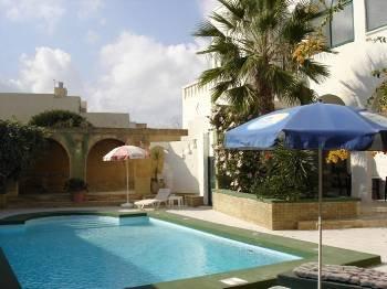 Farm house in Malta, Xaghra: Pool Area
