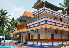 POOVAR AJI'S LUXURY VILLA WITH SWIMMING POOL AND SEA VIEW