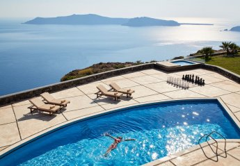 5 bedroom Villa for rent in Santorini