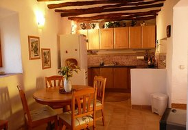 Montserrat, Beautifully Restored 16th Century Farmhouse with pool