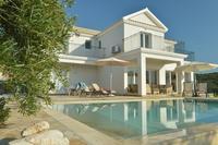Villa in Greece, Arillas: Stunning luxury retreat.