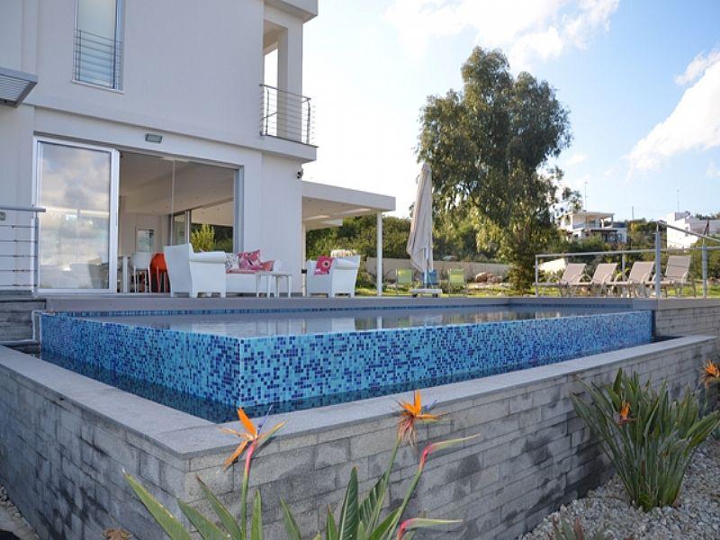 Villa in Cyprus, Protaras: Infinity Pool