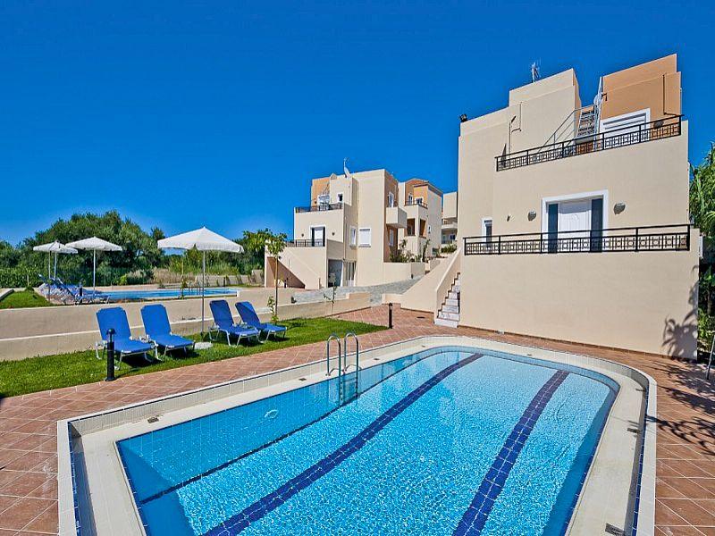 Villa in Greece, Tavronitis: Exterior