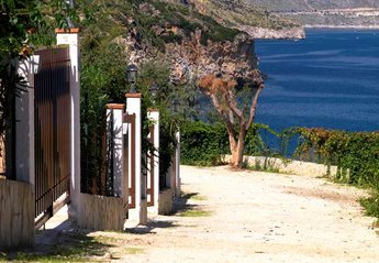 2 bedroom Apartment for rent in Scopello
