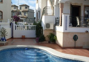 4 bedroom Apartment for rent in Villamartin