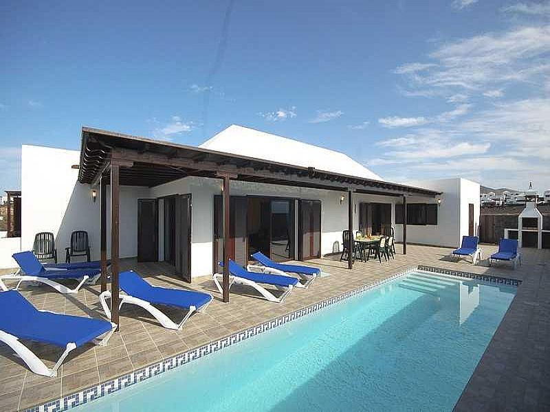 Villa in Spain, Playa Blanca: pool arae