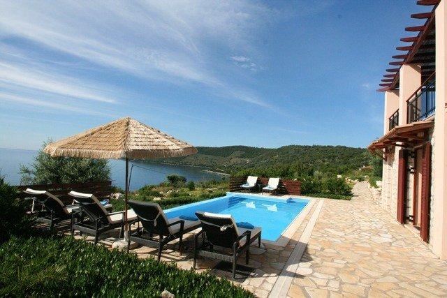 Villa in Greece, Lefkas Island: pool Eva