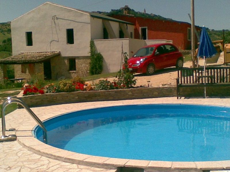 Farm house in Italy, Citta Sant Angelo: Main House and Pool