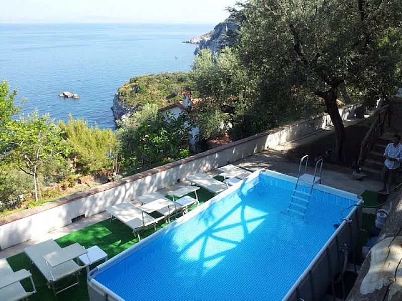 Apartment in Italy, Sorrento: Shared swimming pool