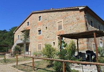 2 bedroom Farmhouse for rent in Pergine Valdarno