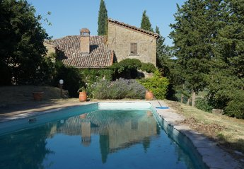 4 bedroom Villa for rent in Citta Di Castello