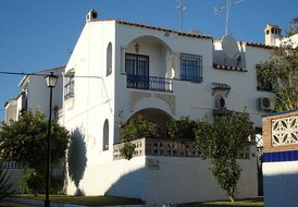 Casa Alondra, Nerja. Communal pool,wifi, aircon.