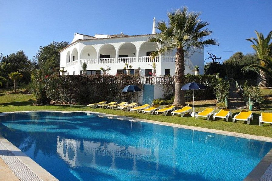 Owners abroad V9 Villa Luz - 9 Bedrooms Villa with Pool, snooker table, Wi-Fi