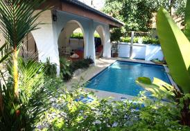 VILLA ROSE with PRIVATE POOL - BEACH IS 2 MINUTES WALK!
