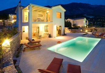 Villa in Greece, Livathos