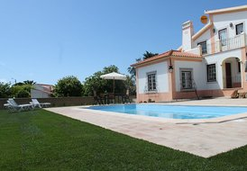 Great Villa (10 pax) with pool. Calm area around and beach nearby