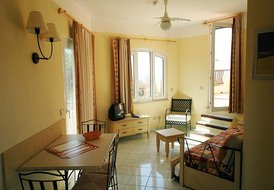 Lovely Costa Paradiso Cottage-Apartment for 2 - 4, With Amenities