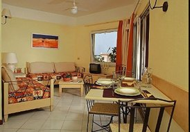 Sardinian Cottage-Apartment For 2 - 4 In Coastal Resort-Village