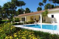 Villa in Portugal, Aroeira: Villa and swimming pool