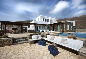 ANASSA RESIDENCE & GUEST HOUSE