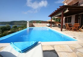 Seafront VILA ADAM (6+1), pool, 15% FIRST MINUTE discount