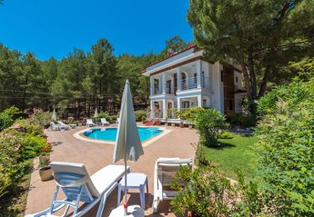 Villa in Turkey, Hisaronu: Four bed 3 bathroom detached villa.