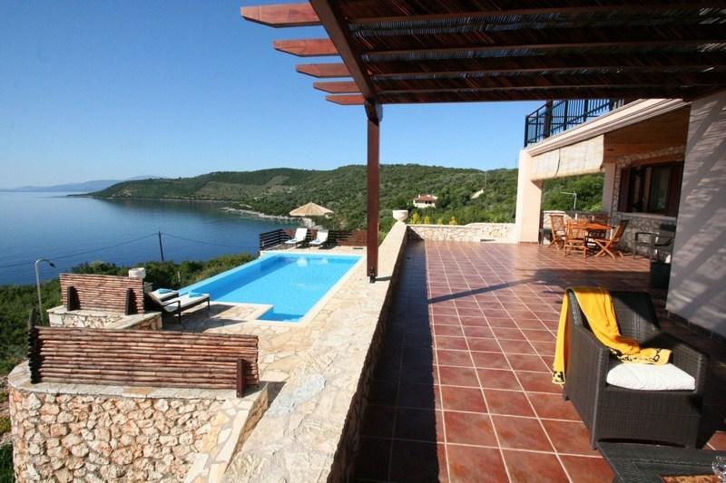 Villa in Greece, Lefkas Island: veranda Rising Sun