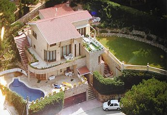 6 bedroom Villa for rent in Font Sant Llorenc