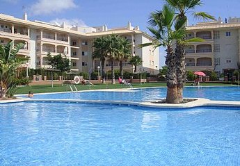 Apartment in Spain, Laguna Golf: Gorgeous Pool with Safe Toddler Section