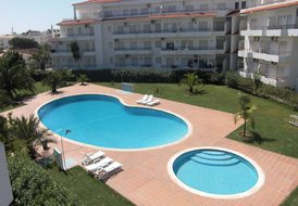 Attractive Apartment 5 Minutes Walk from Beach