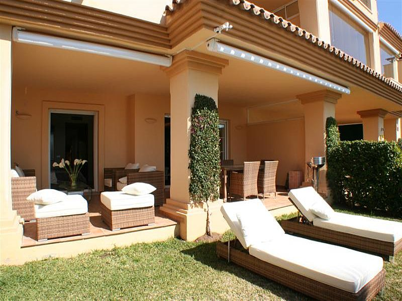 Apartment in Spain, Nueva Andalucia: Garden and terrace 1