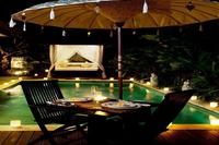 Villa in Indonesia, Canggu: Pool at Night