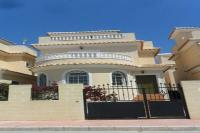 Beautiful Villa  with communal  pool, air con , english TV,