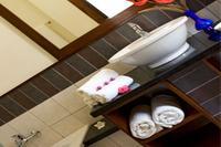 Apartment in Mauritius, Pereybere: BATHROOM