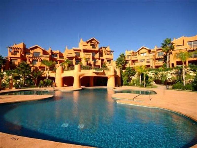 Apartment in Spain, Estepona: pool