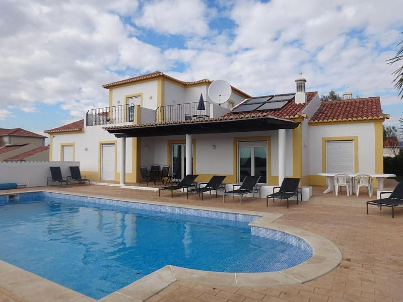 Villa in Portugal, Olhao: Pool view