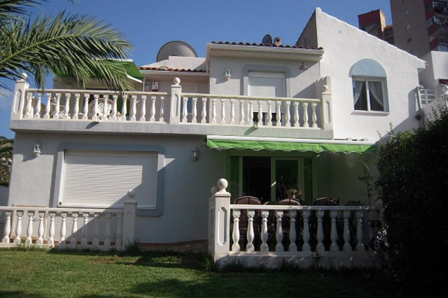 Owners abroad 4 Benidorm Villa situated in heart of Benidorm