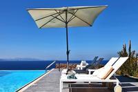 Villa in Greece, Kea: Pool umbrellas