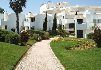 Apartment in Portugal, Armacao de Pera: Entrance to Apartments from the beach