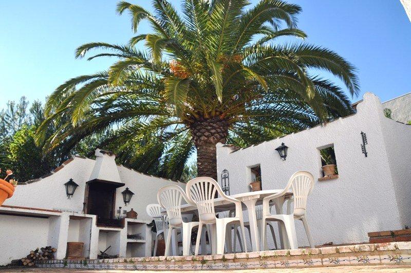 Villa in Spain, Rebaldi: Le patio et son barbecue