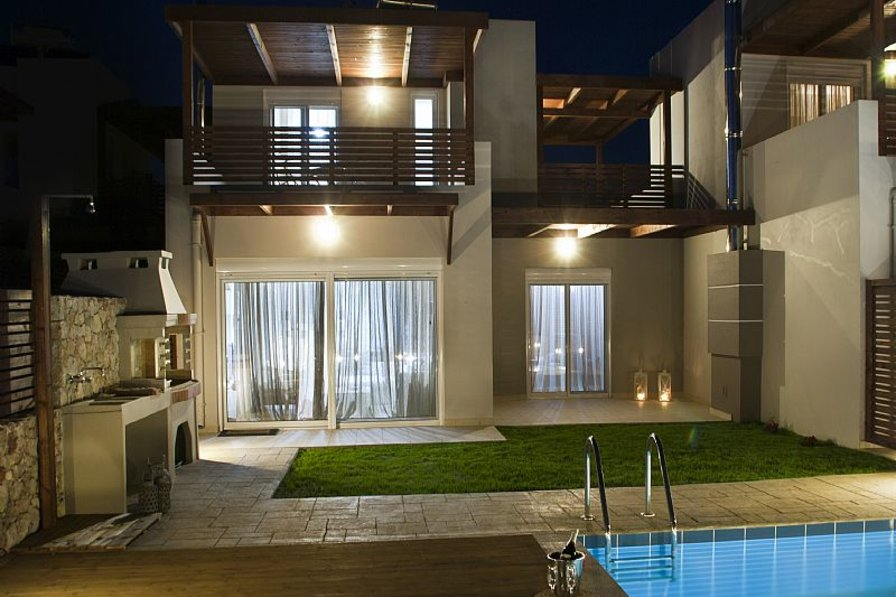 Brand new villas with private pool 2 min from Haraki Bay 2