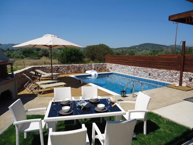 Villa in Greece, Haraki