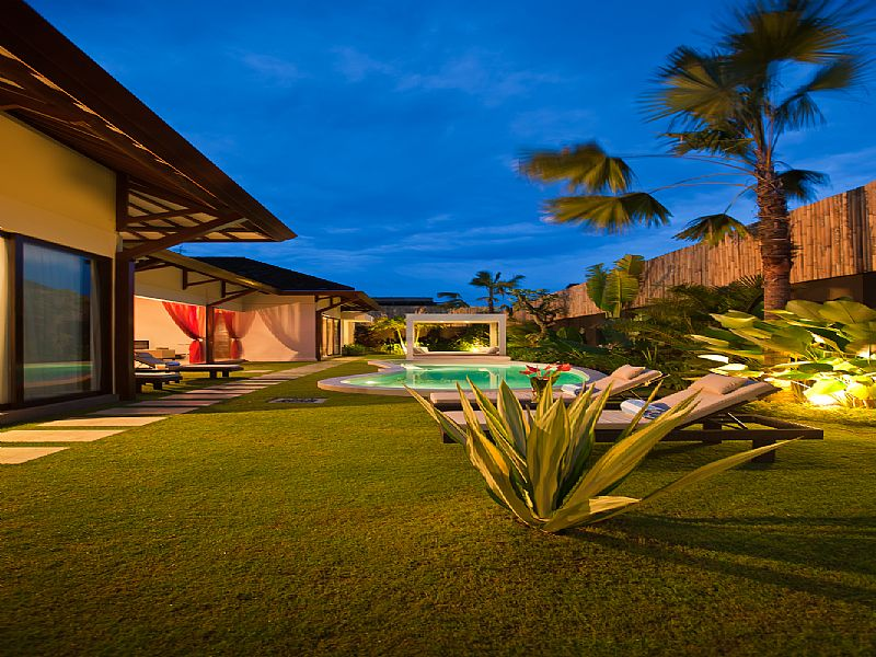 Villa in Indonesia, Bali: Garden and pool