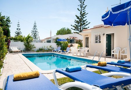 Villa in Albufeira, Algarve: Private pool with sunloungers and BBQ