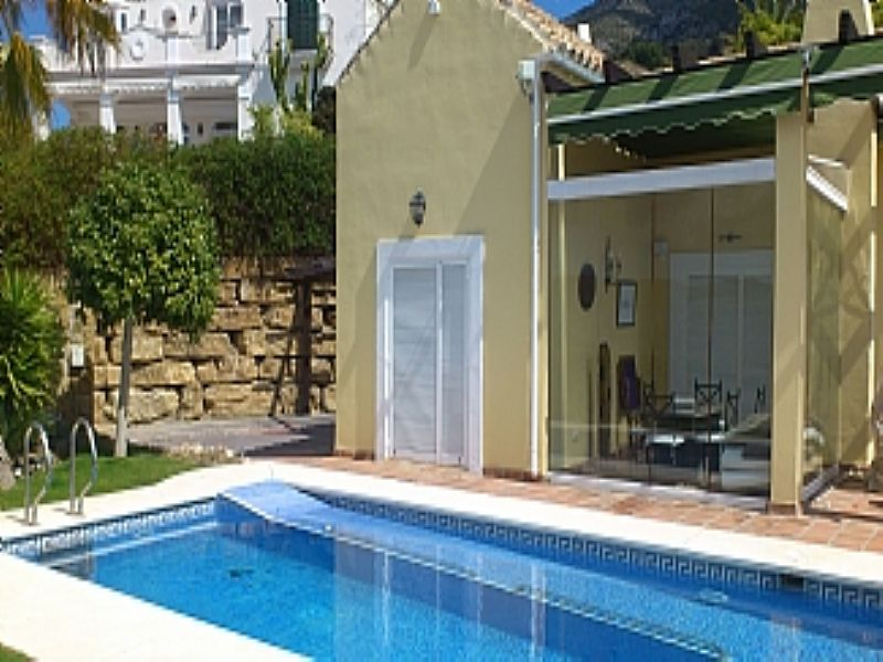 Villa in Spain, Istan