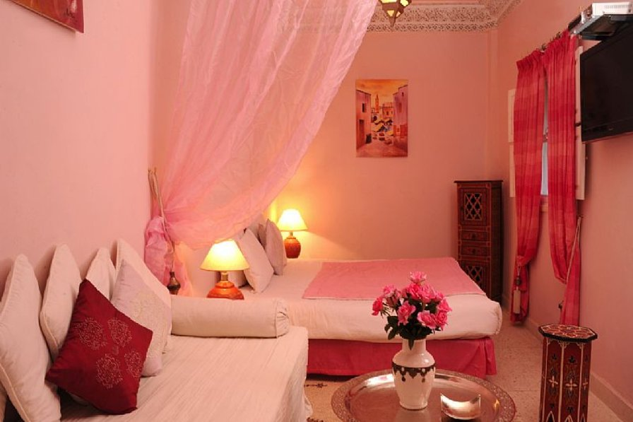 Owners abroad Riad Shaden in Marrakech medina - Ouarda Suite - sleeps 3