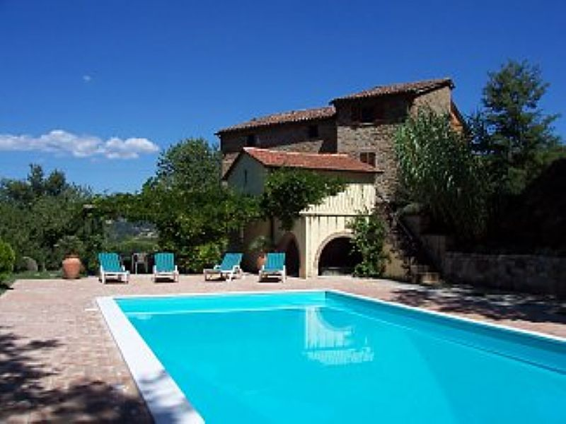 Farm house in Italy, Citta di Castello Area: Pool and sun terrace
