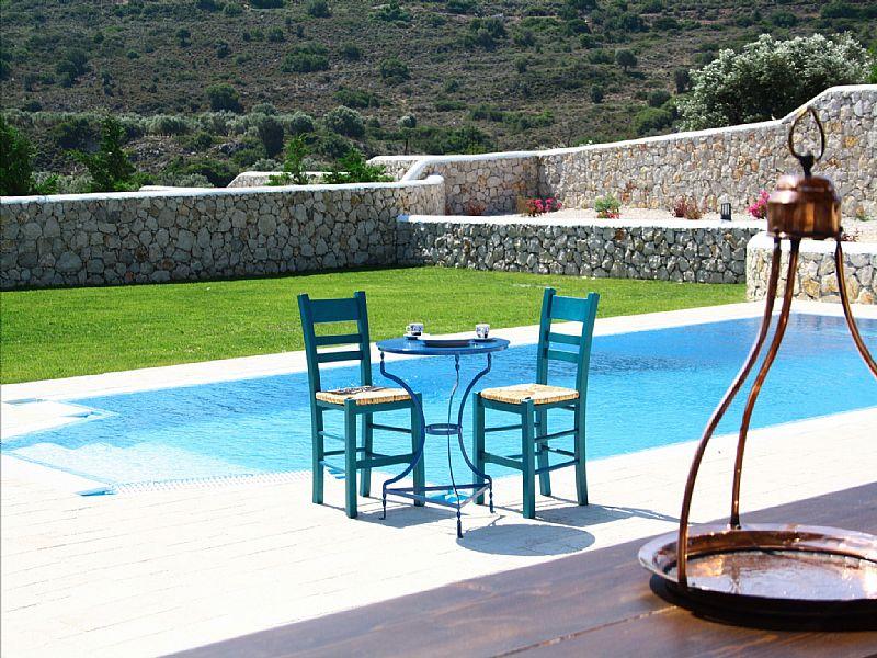 Villa in Greece, Rhodes: enclosed wall
